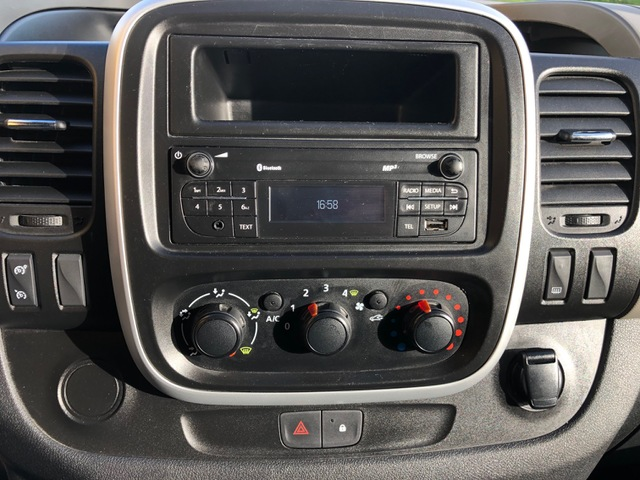 Renault TRAFIC III GRAND CONFORT DCI 120 L2H1