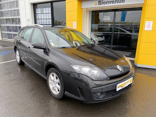 Renault Renault Laguna III 2.0 dCi 130ch Black Edition